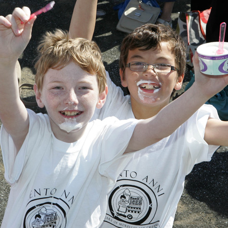 Kids at the Guinness World Record by Morelli Ice Cream
